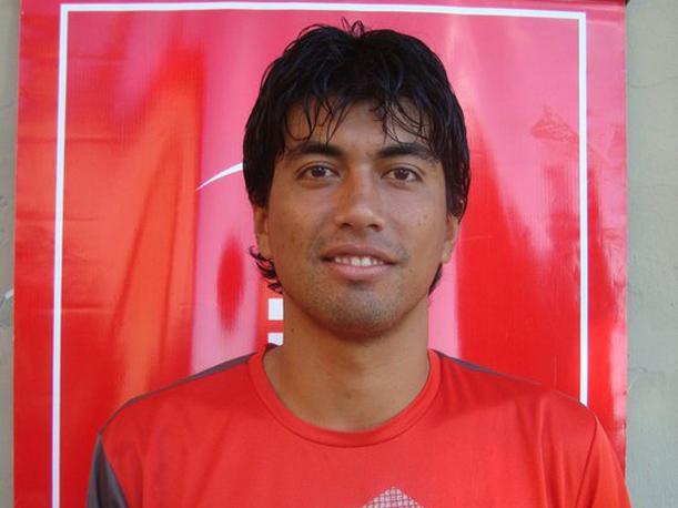 El delantero guaraní Julio Aguilar es rojo