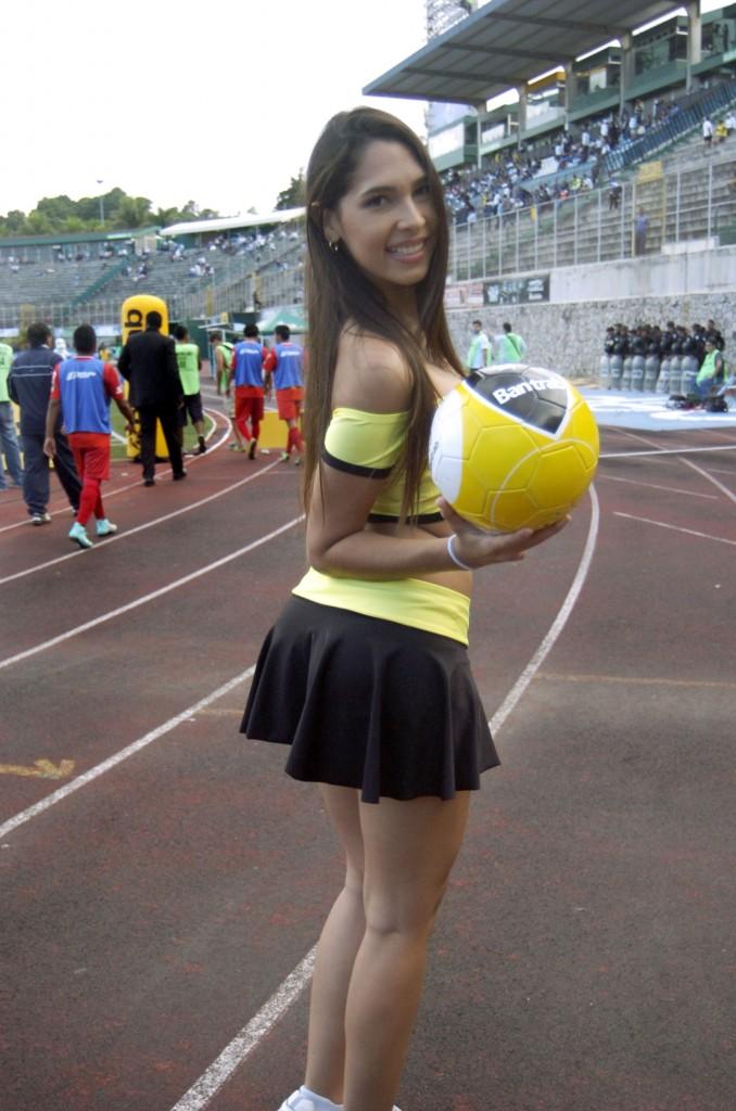 Natalia Lozada - Venezuela 1201