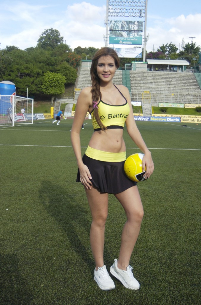 Evelyn Medina - Venezuela 1547