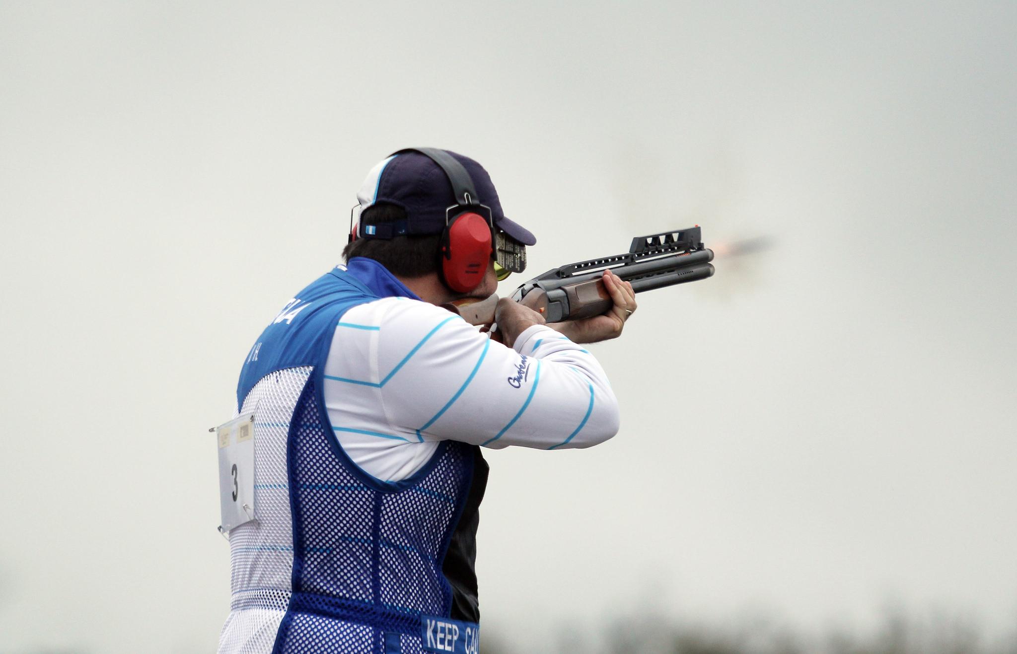 A disparar con armas de caza