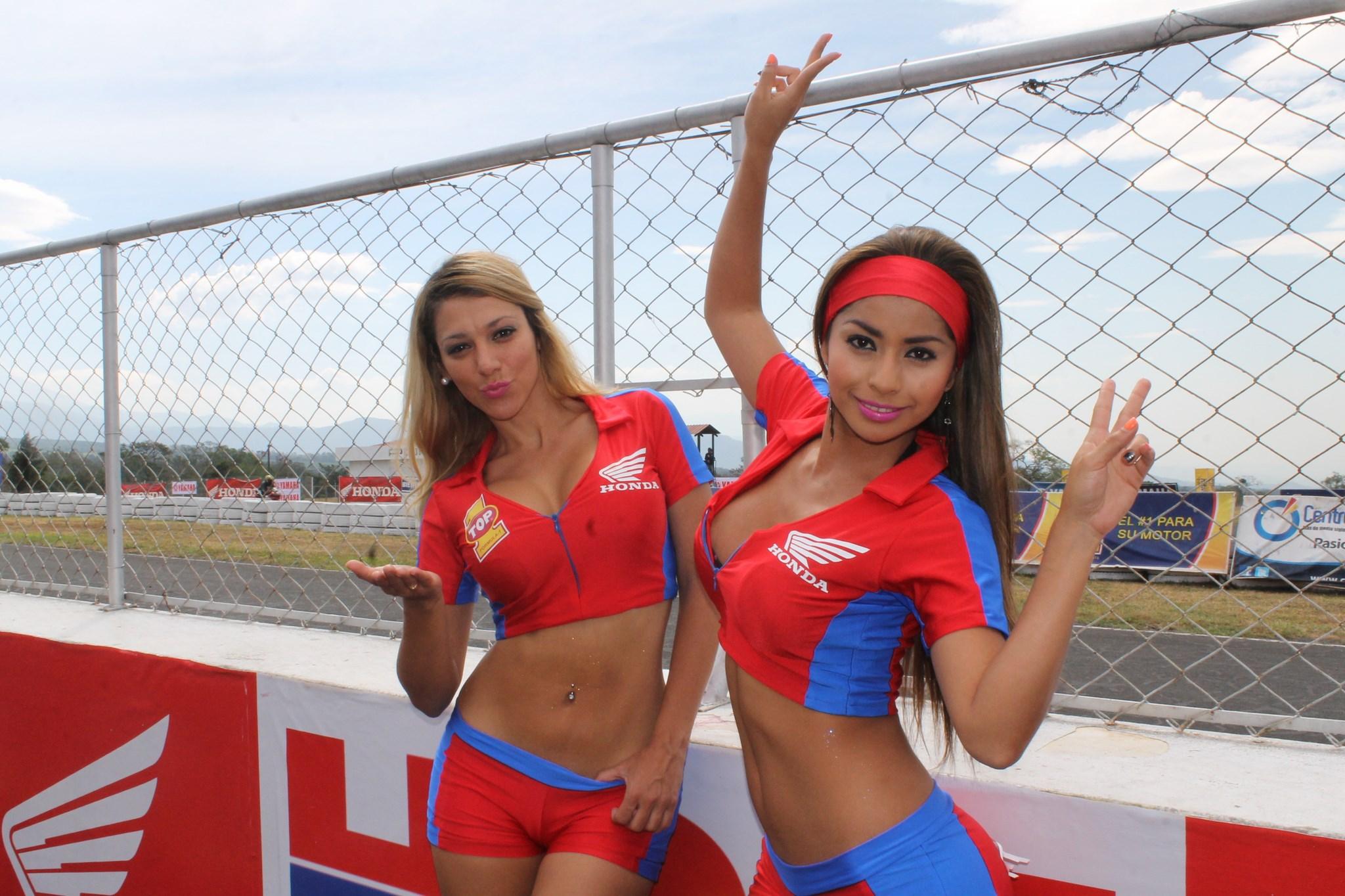 (((FOTOS))) Las chicas del motociclismo