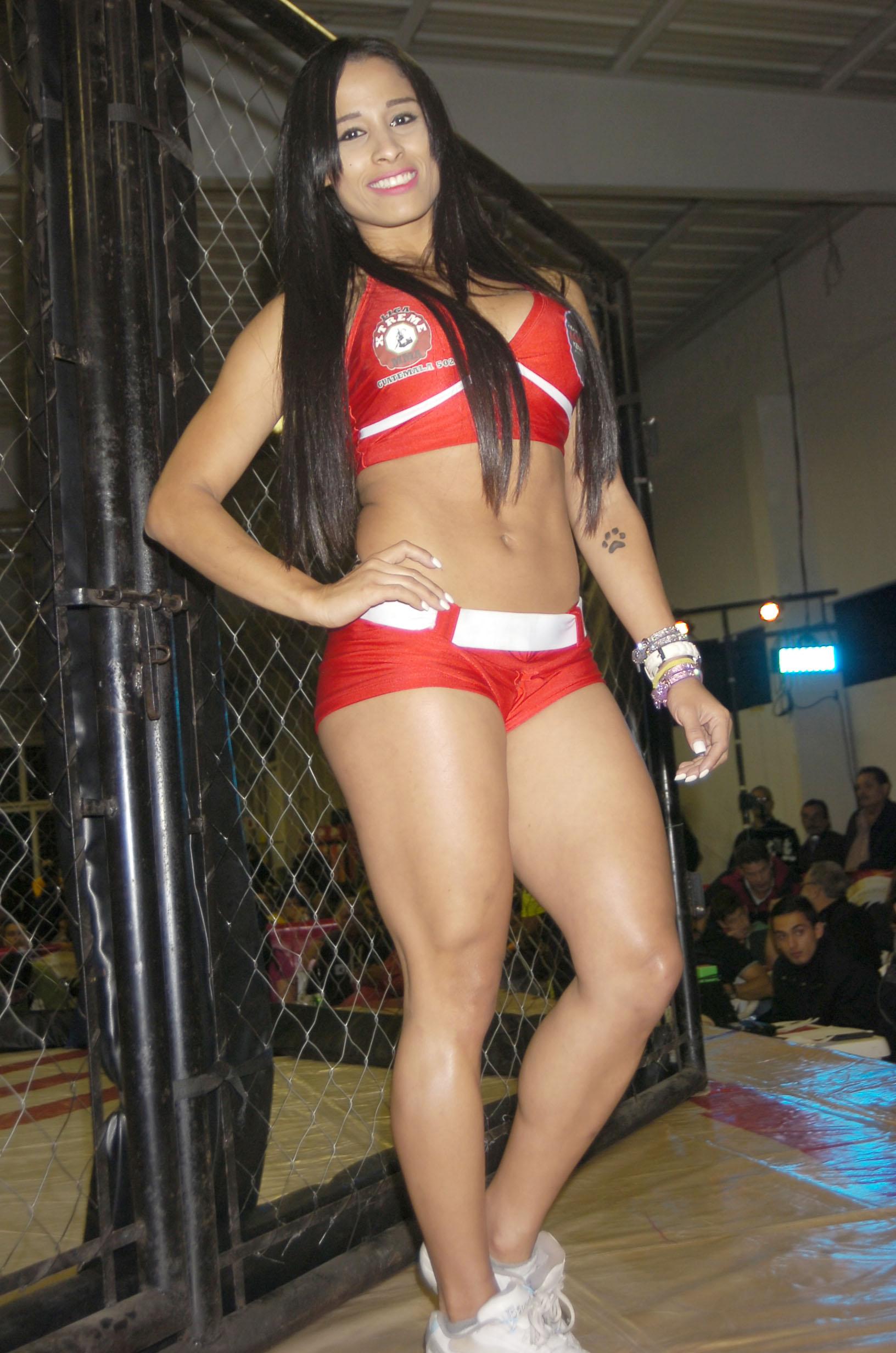 (((FOTOS))) @RenataArcanjo2, la Chica Combate, reaparece