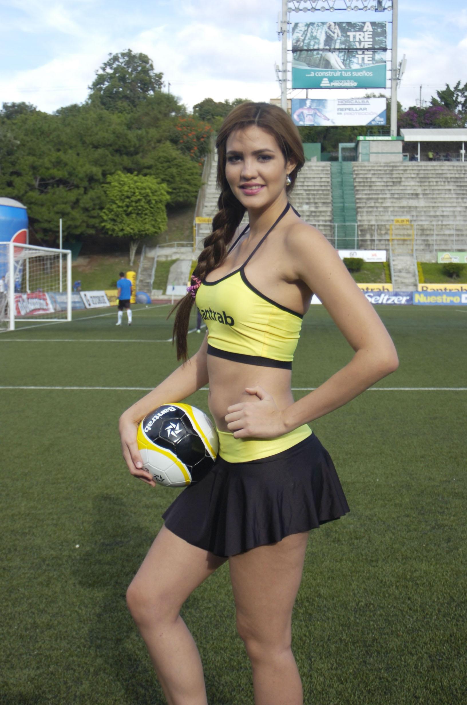 Evelyn Medina - Venezuela 1550
