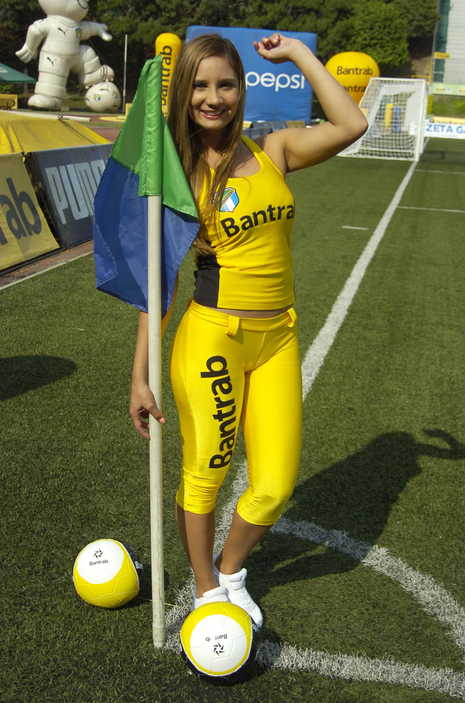 Paola Sacoto de Colombia 2190