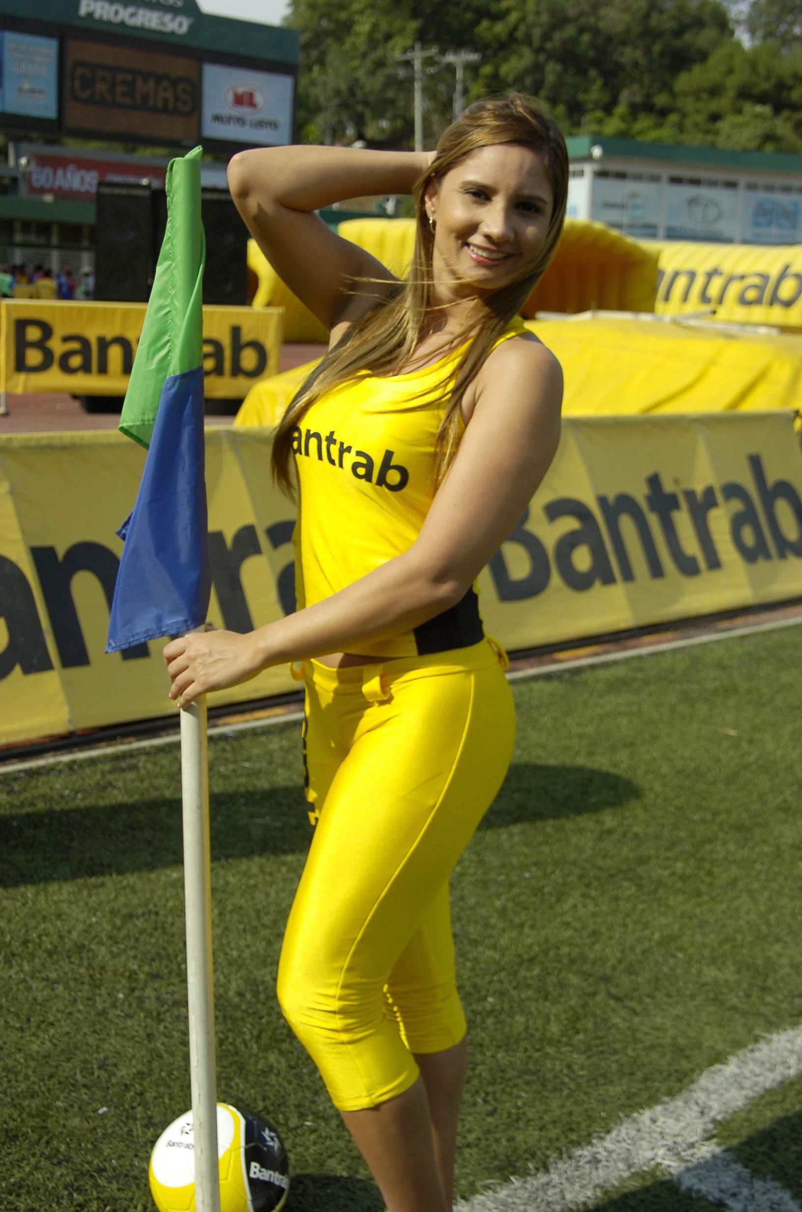 Paola Sacoto de Colombia 2194