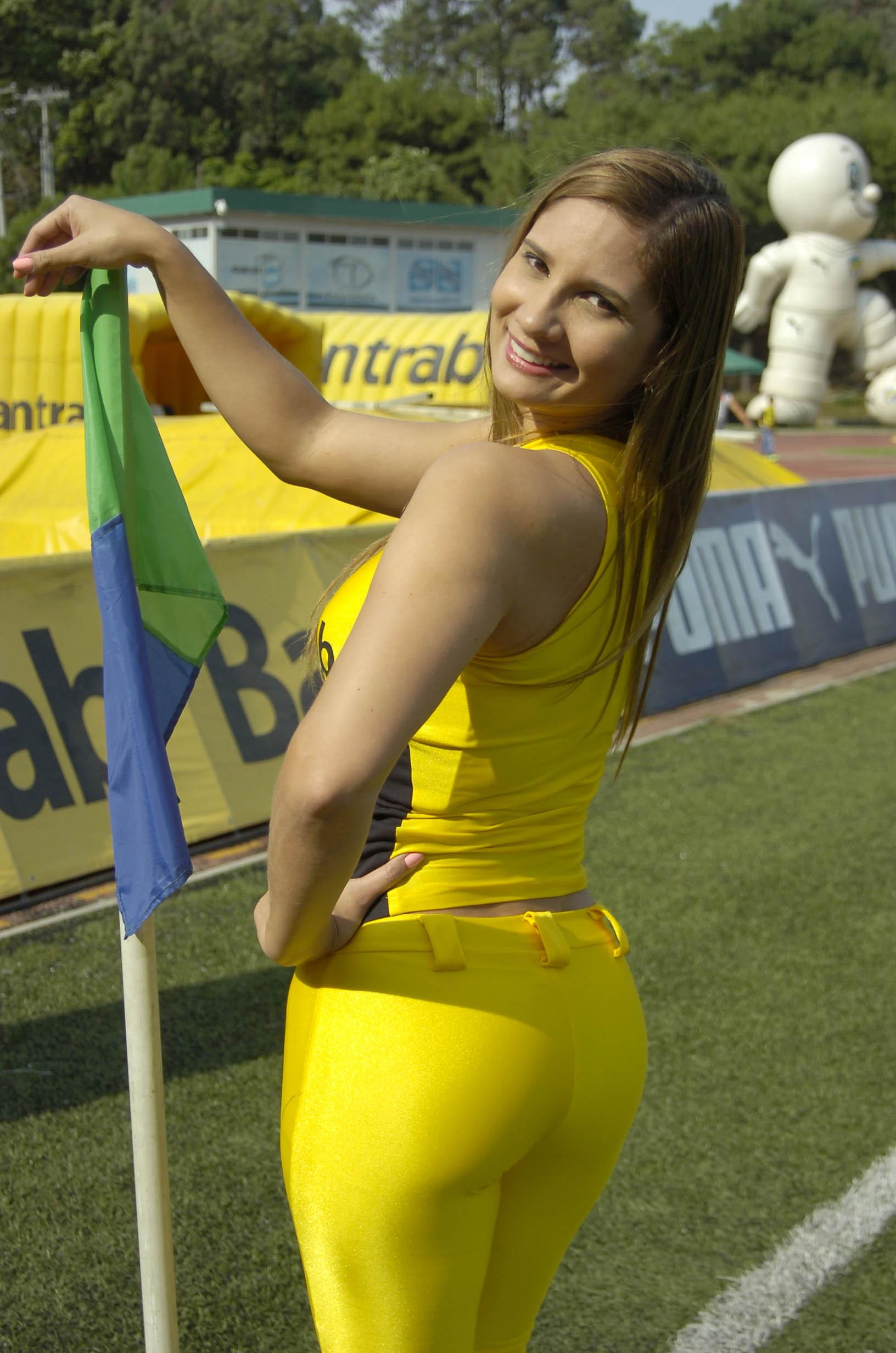 Paola Sacoto de Colombia 2200