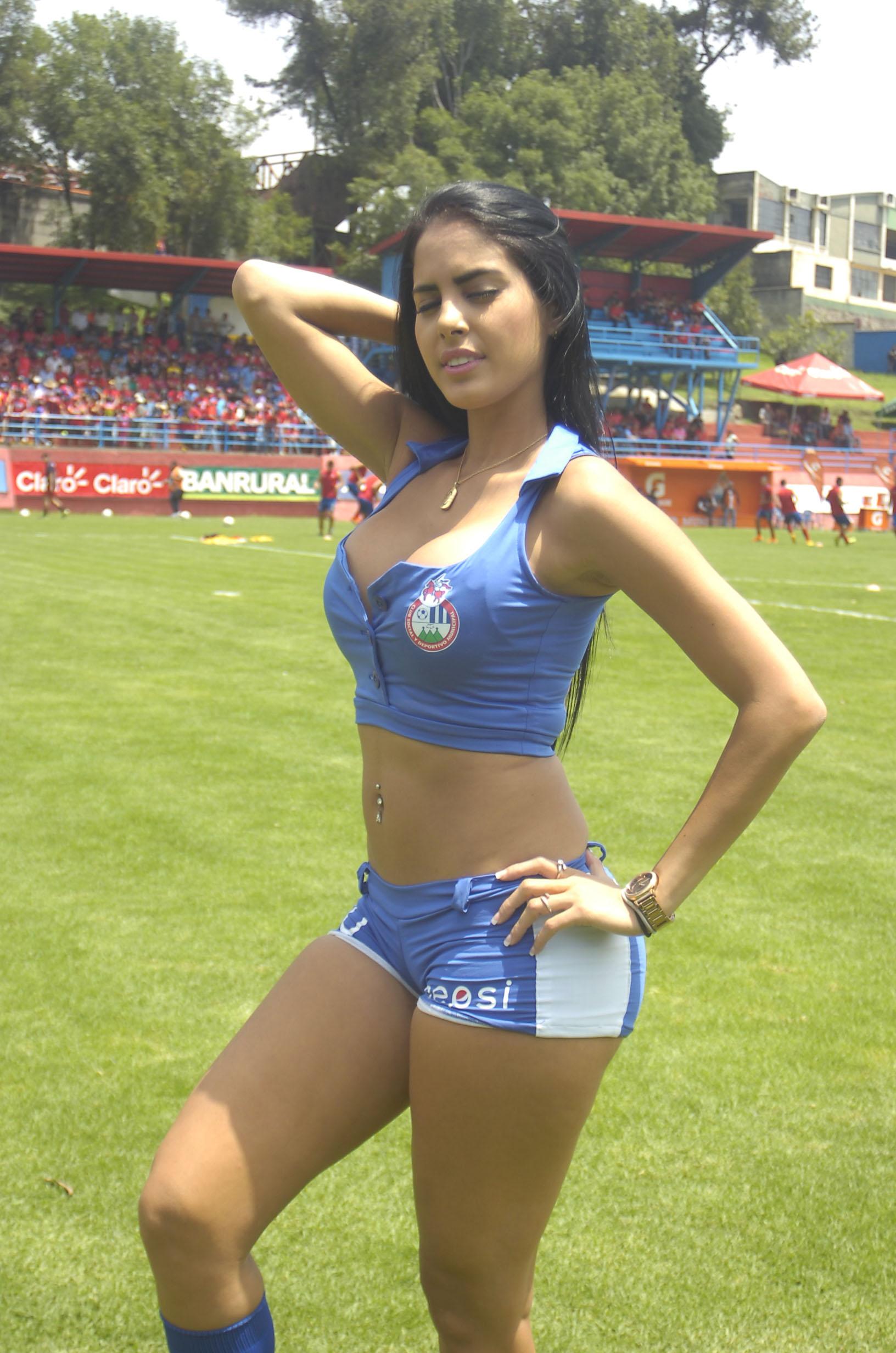 Astrid Barona de Venezuela 47
