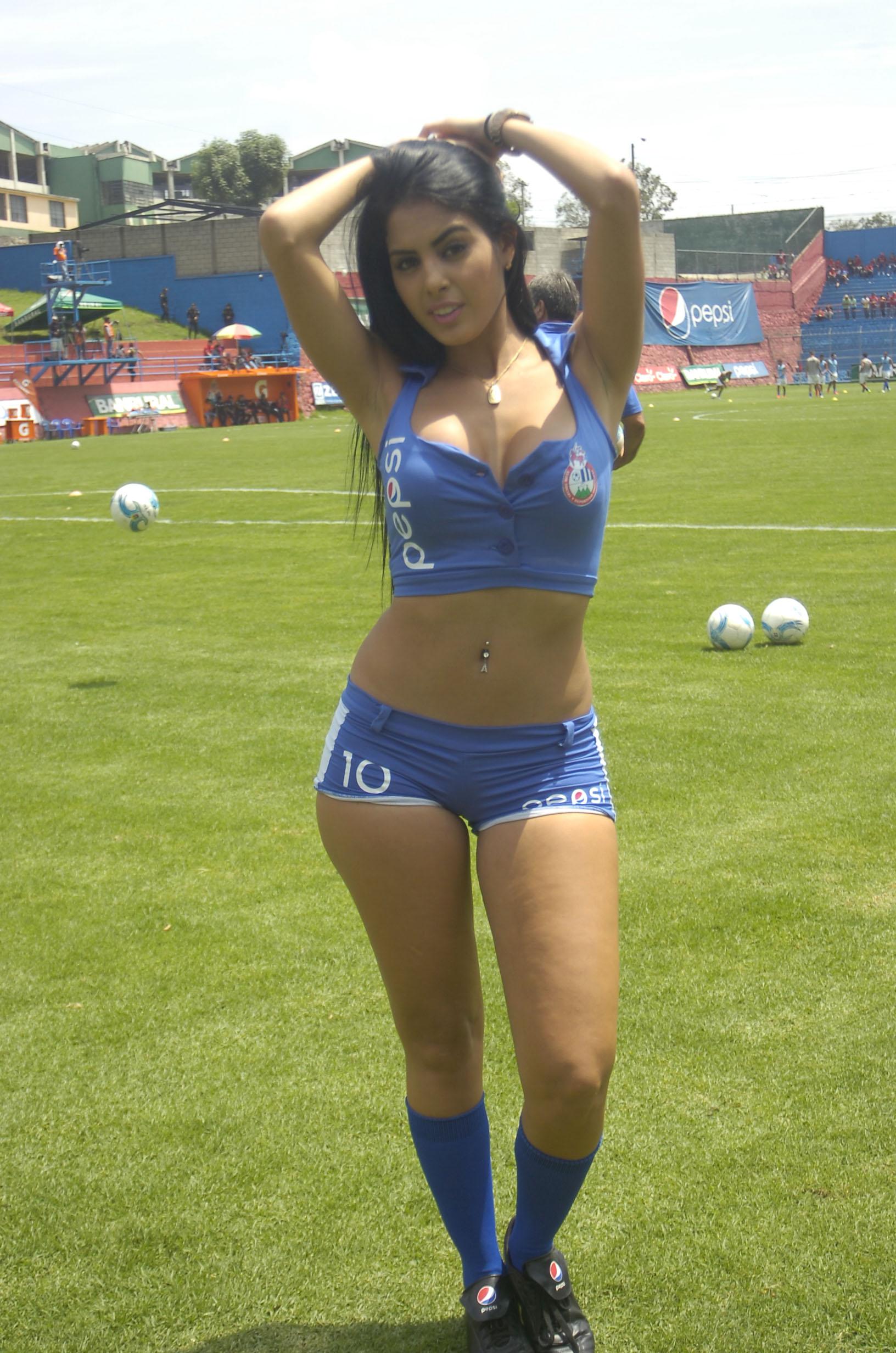 Astrid Barona de Venezuela 49