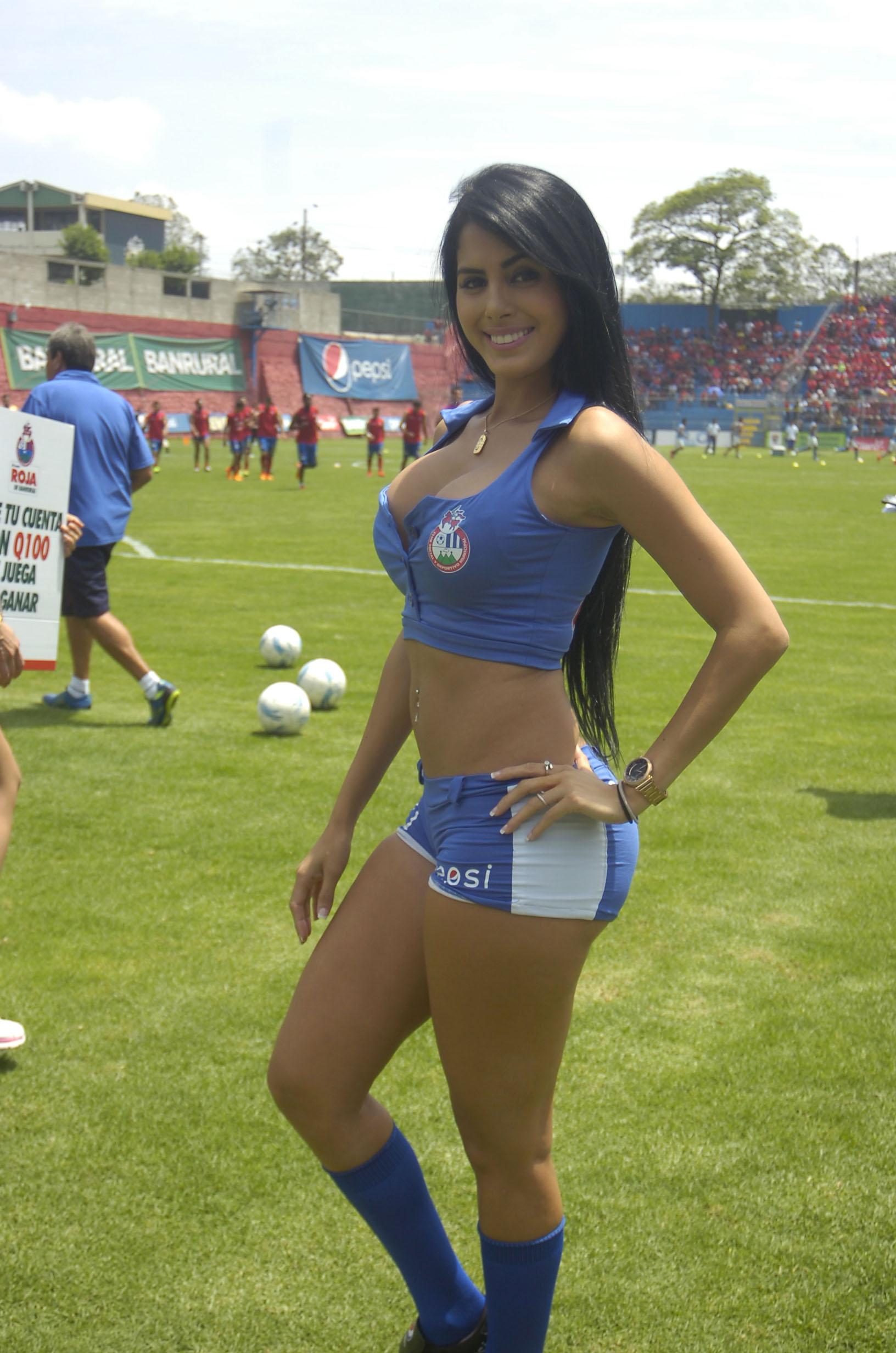 Astrid Barona de Venezuela 53