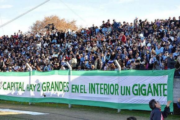 Dos chapines por la gloria en Uruguay
