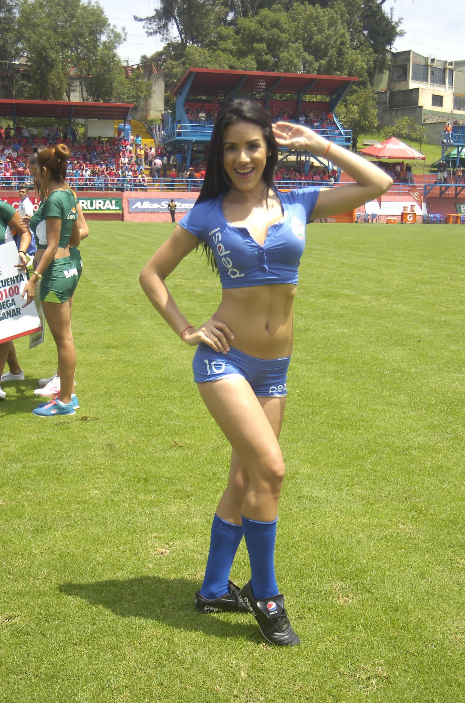 Manuela Suarez de Venezuela 90