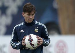 Argentina buscará la victoria en el partido 100 de Messi