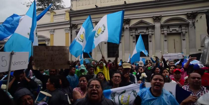 (((VIDEO))) La Revolución de las Rosas Blancas y la inmunidad de Pérez Molina