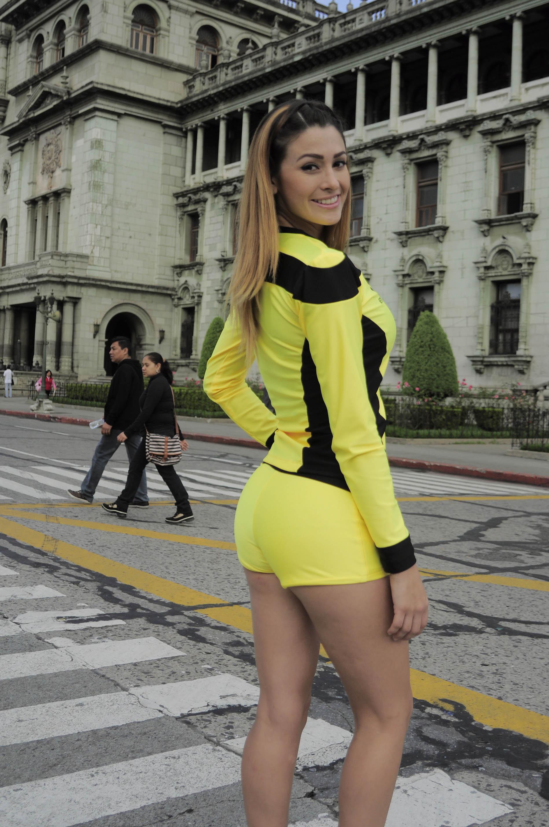 Dayana Sanchez de Venezuela 3450