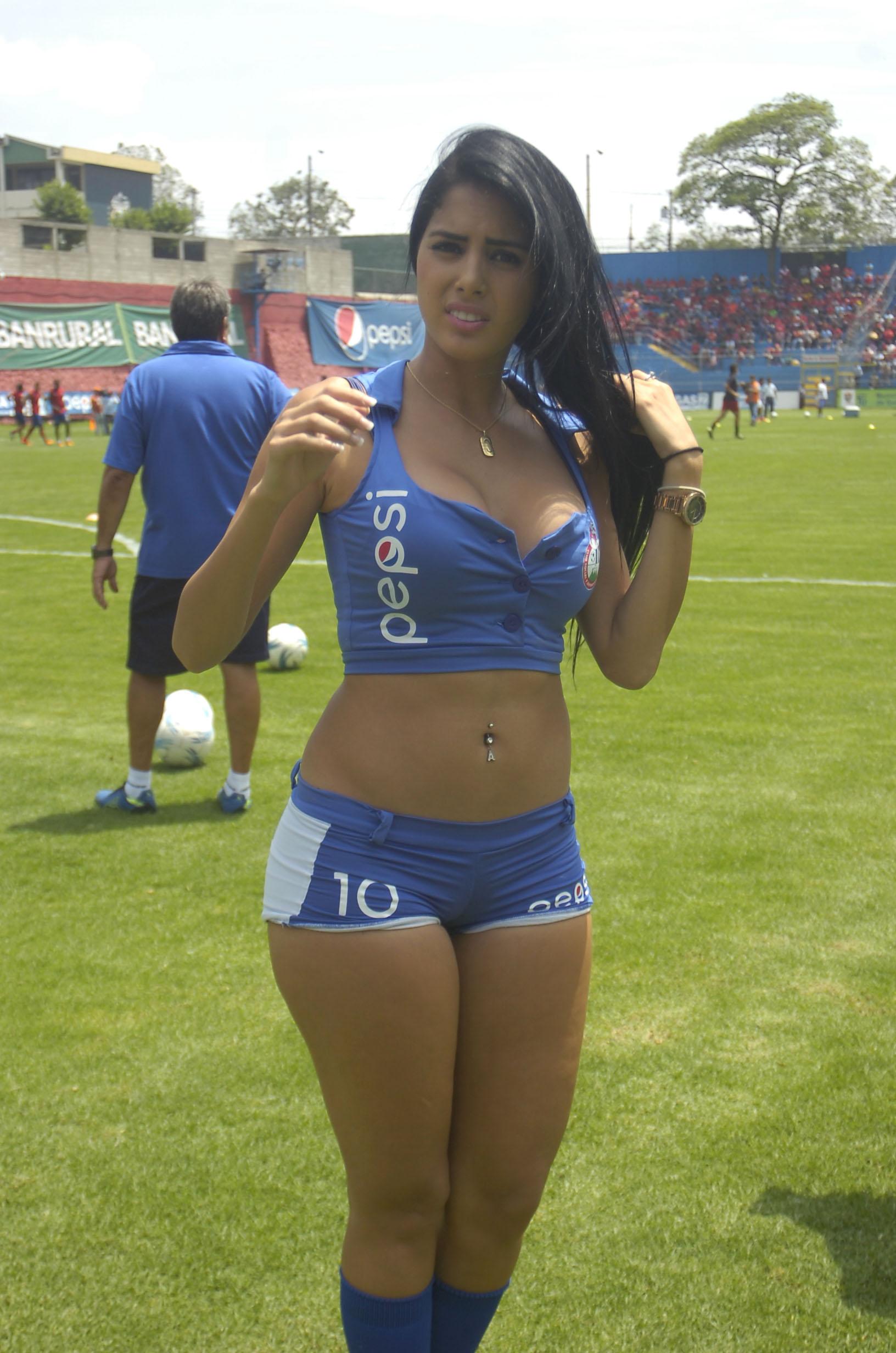 Astrid Barona de Venezuela 52