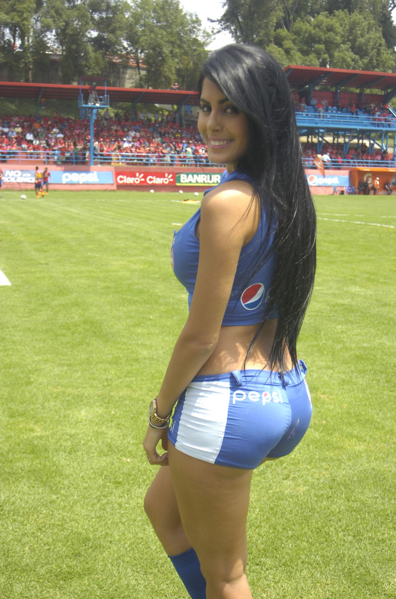 Astrid Barona de Venezuela 57