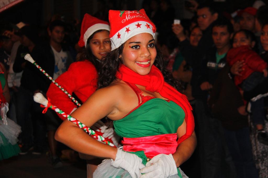 (((FOTOS))) Desfile Navideño Internacional recorrió la Sexta