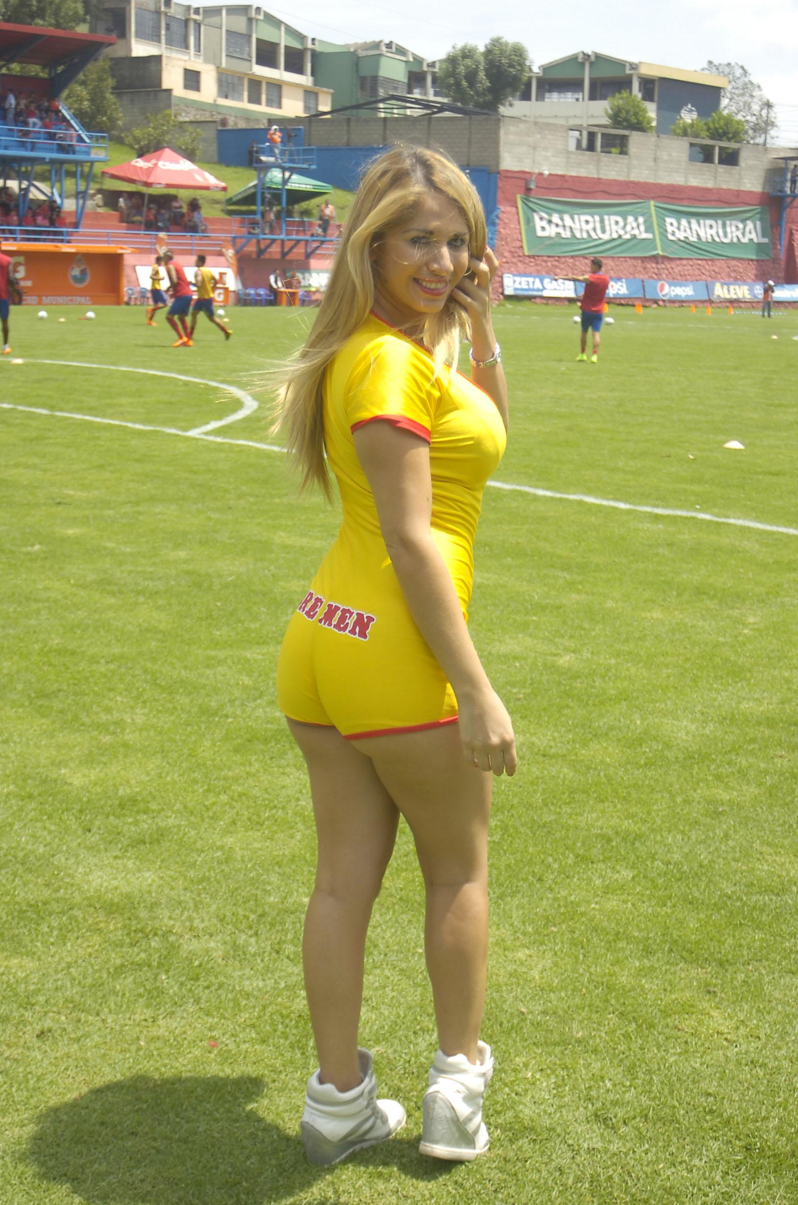 Yolanda Elizondo de Costa Rica 24