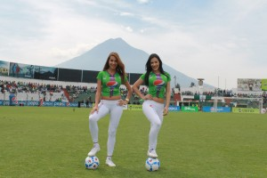 (((FOTOS))) Los cambios en los equipos de la Liga Mayor presentado por la chicas del Pensativo
