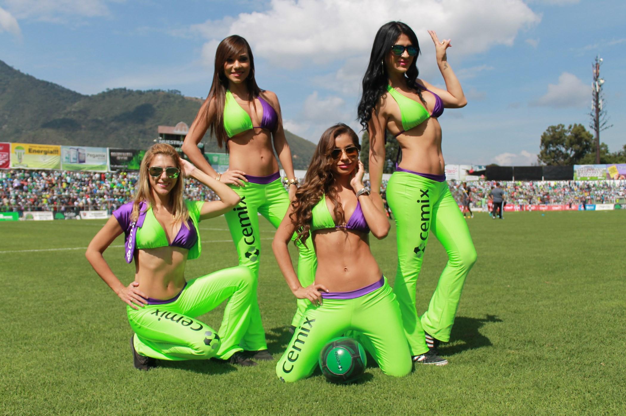 (((FOTOS))) El mercado de invierno de la Liga Nacional con las chicas del Pensativo