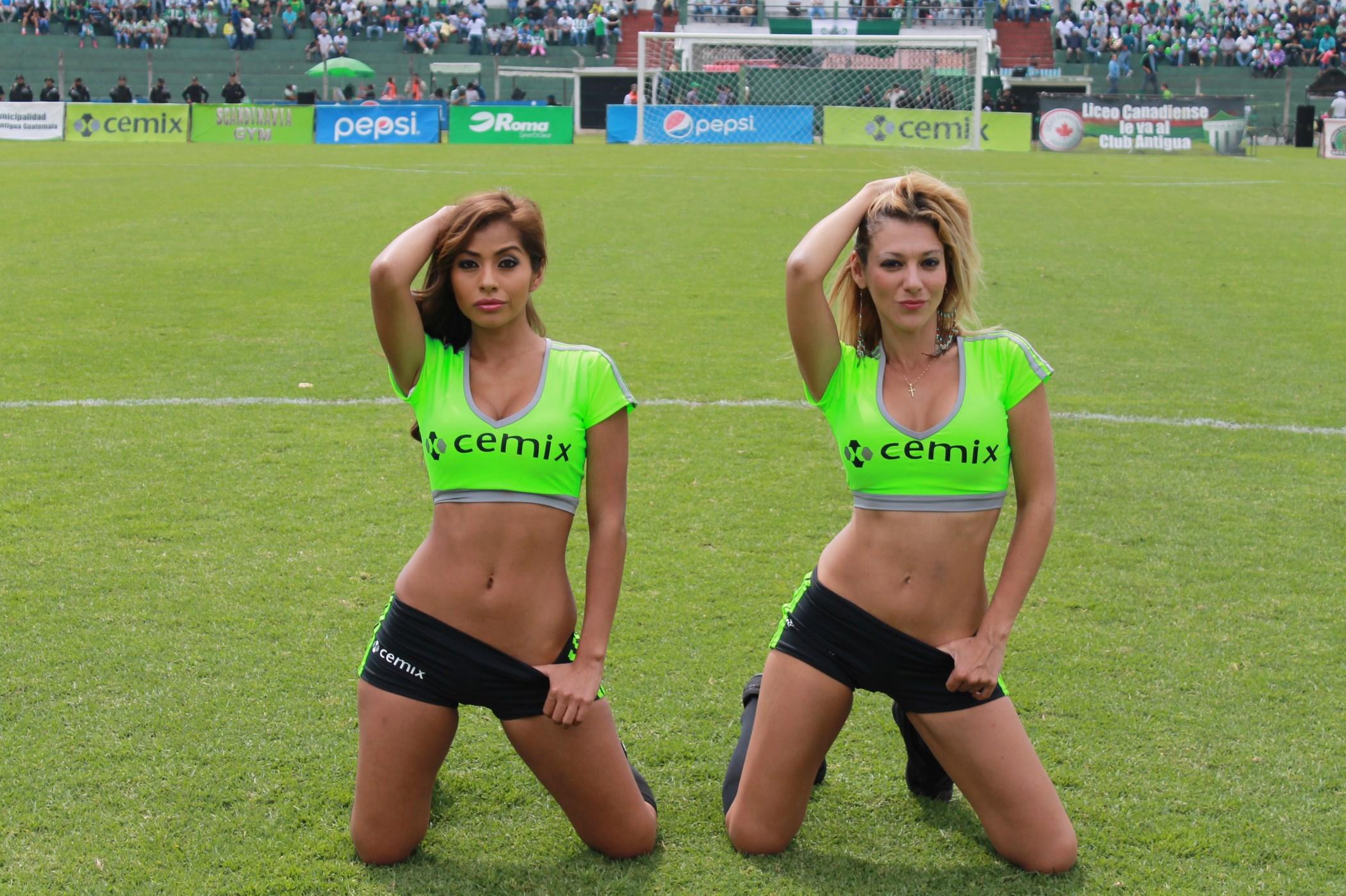 (((FOTOS))) Las chicas presentan los cambios en la Liga Mayor