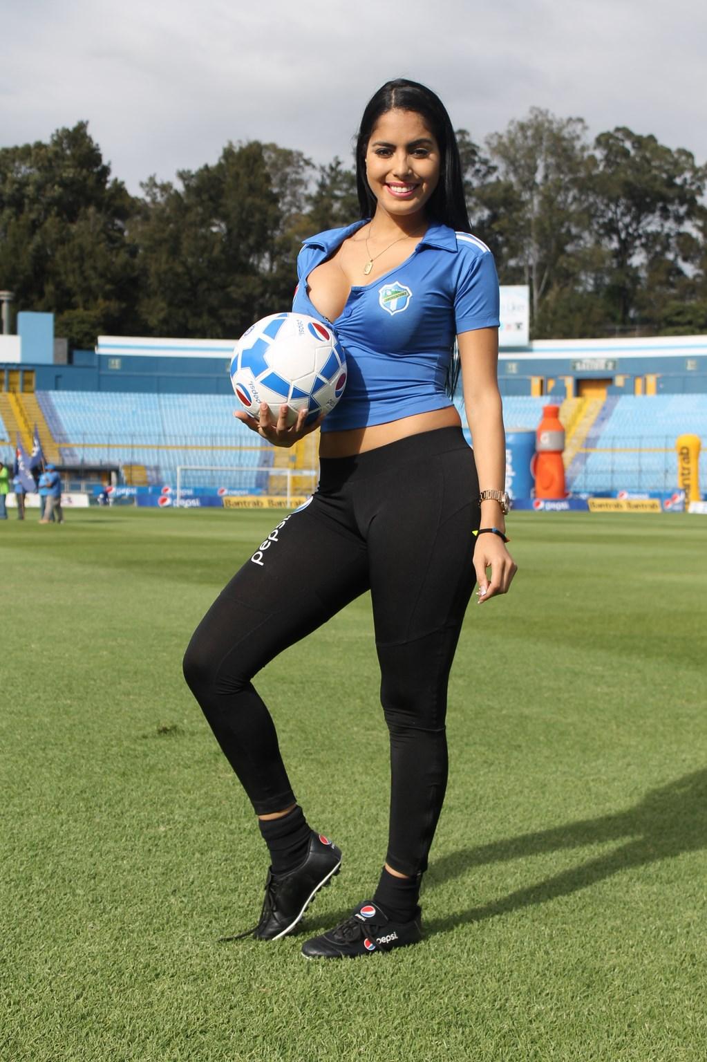 Astrid Barona (18)