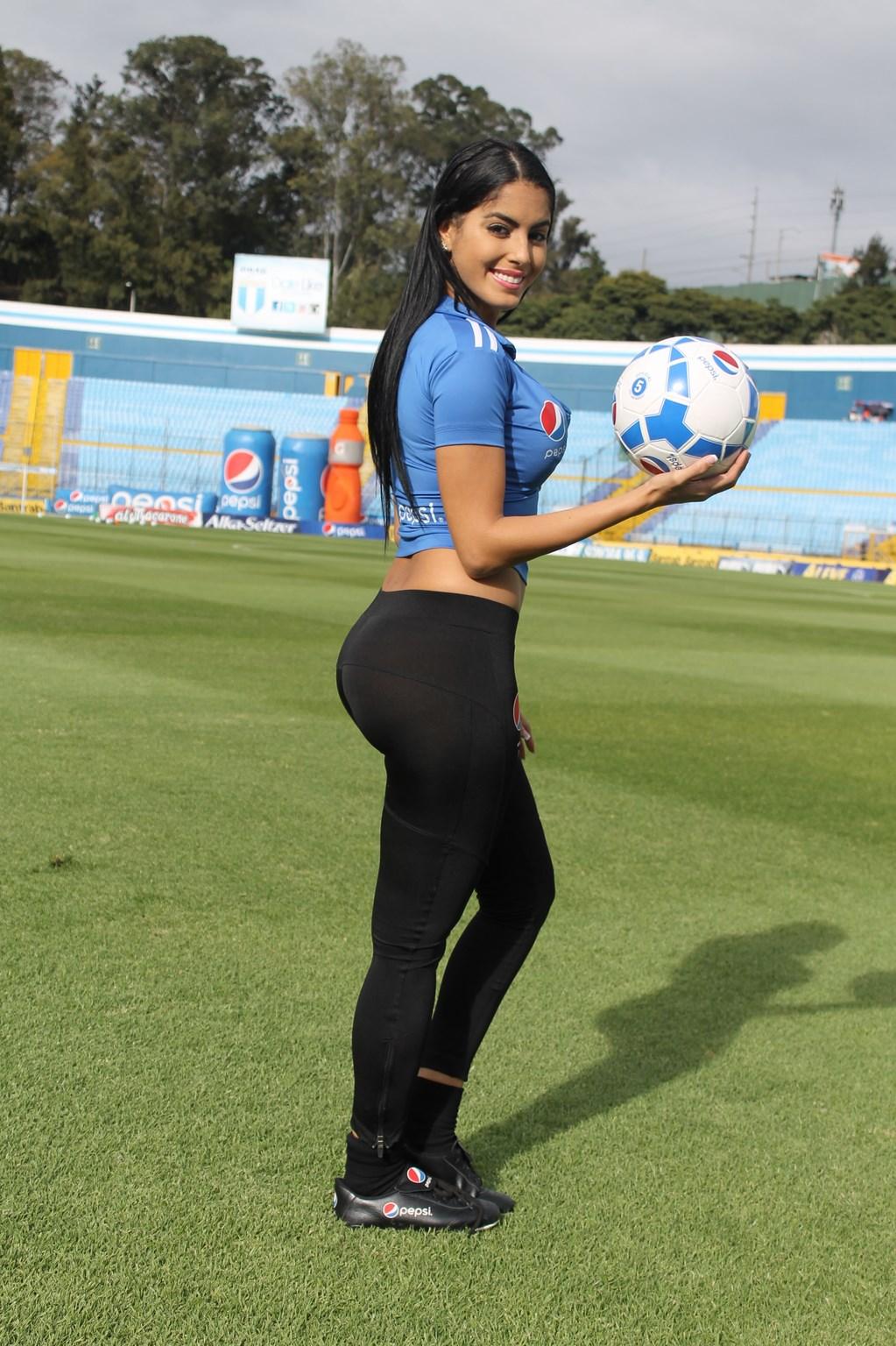 Astrid Barona (22)