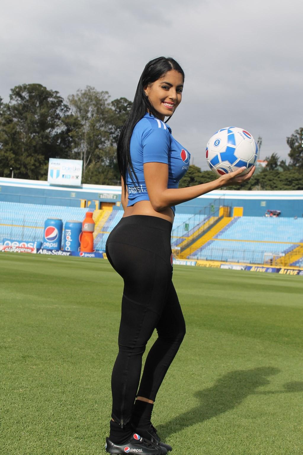 Astrid Barona (23)