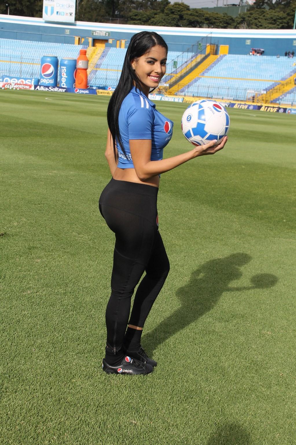 Astrid Barona (25)