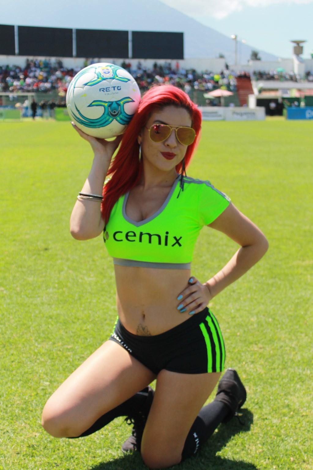 Dina Boiton (11)