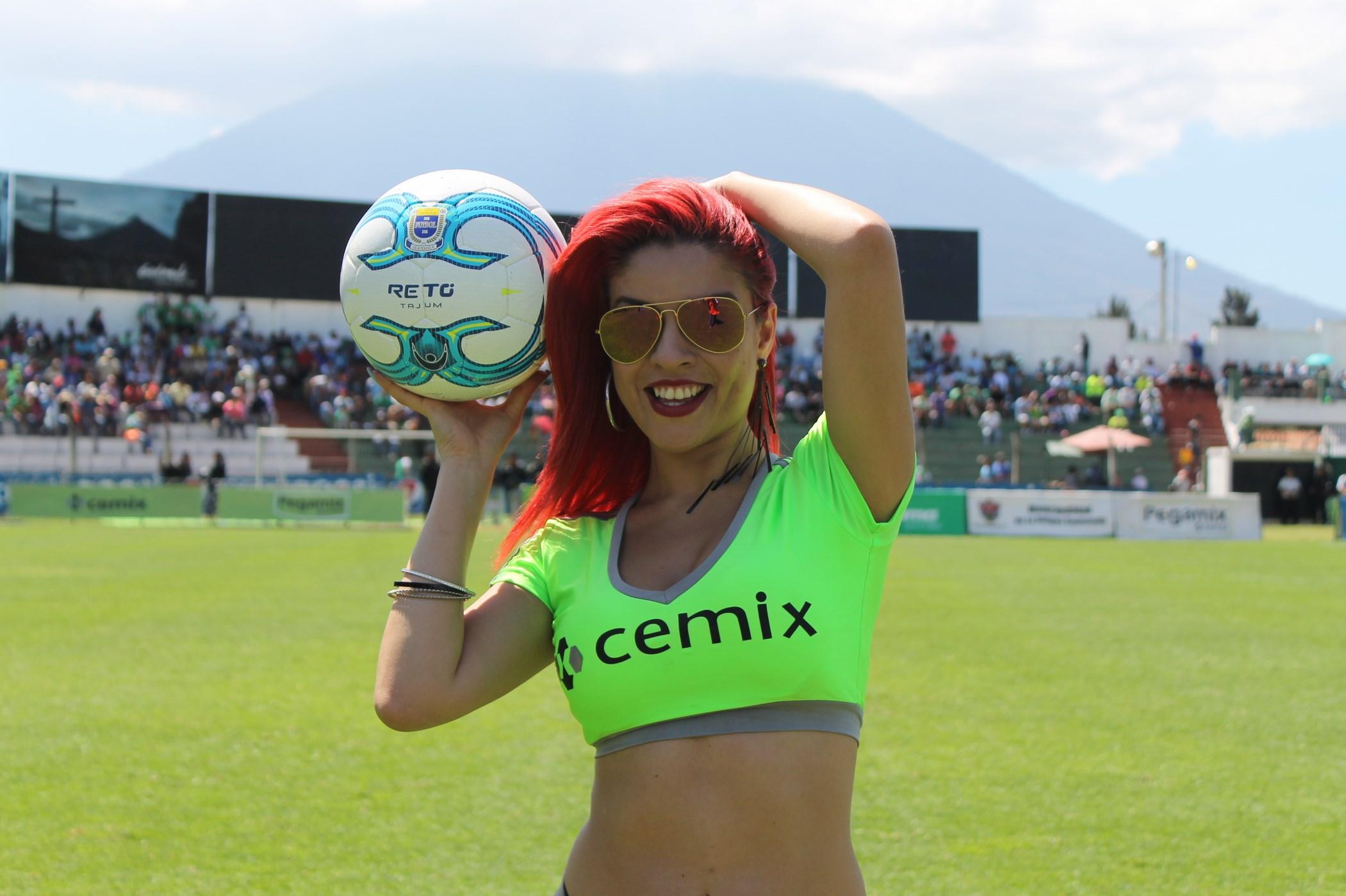 Dina Boiton (4)