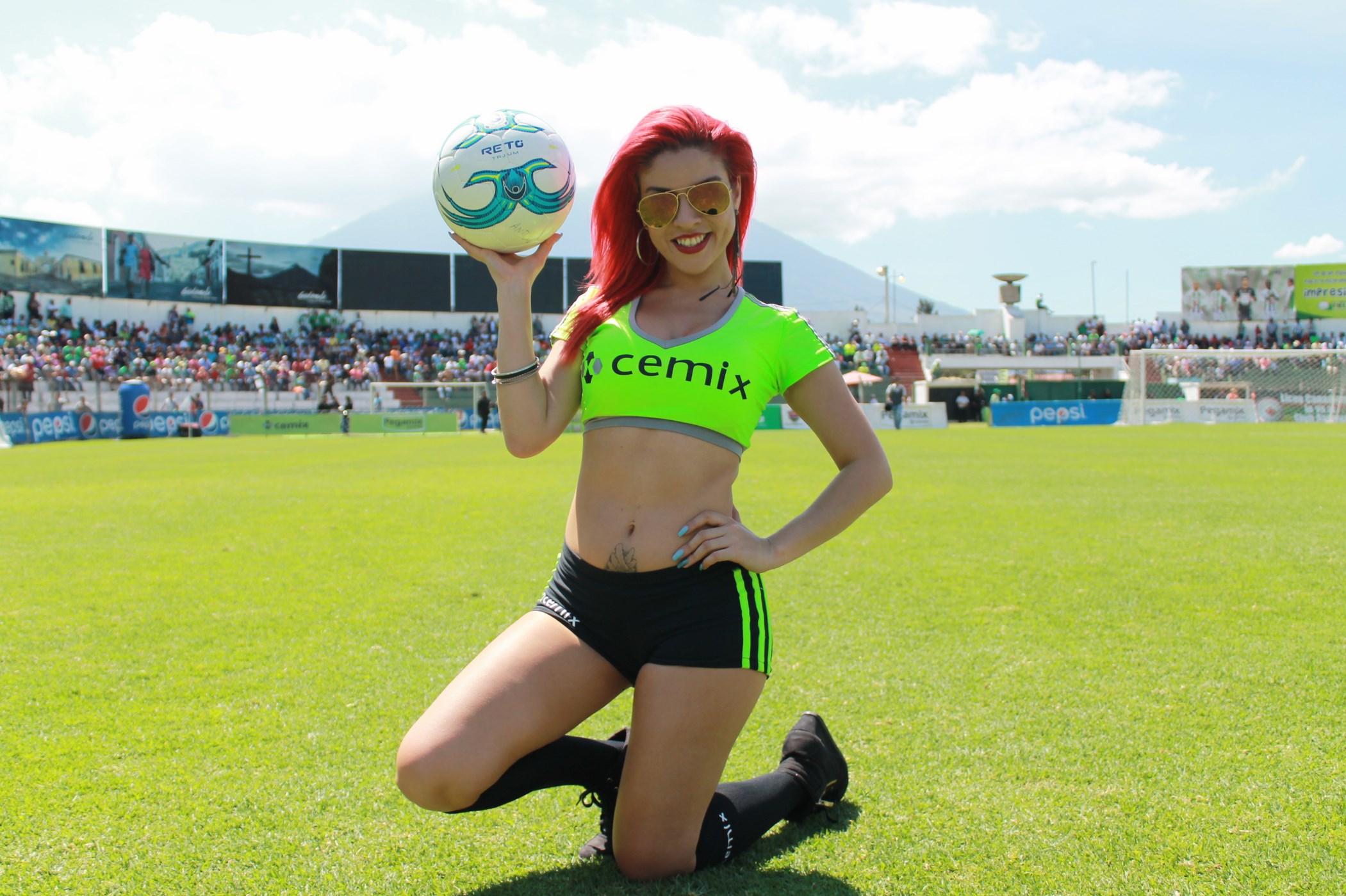 Dina Boiton (5)
