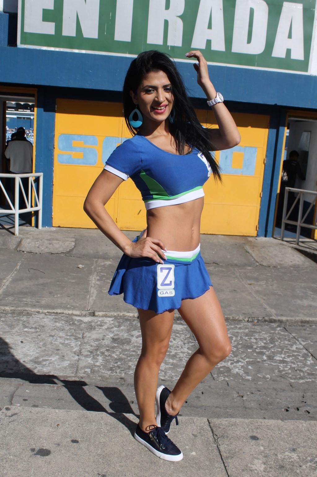 Kimberly Flores (8)