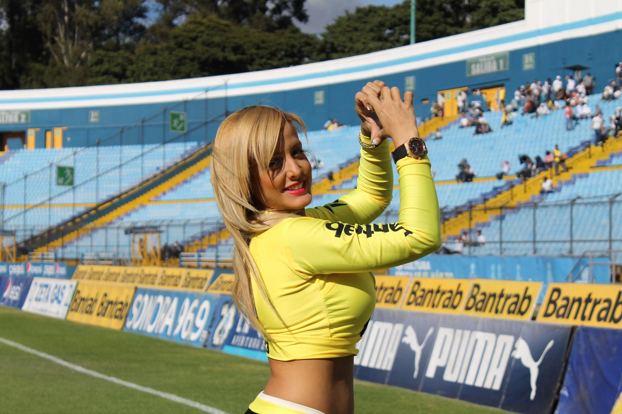 (((FOTOS))) Los árbitros para la primera fecha del Clausura junto a Nivia
