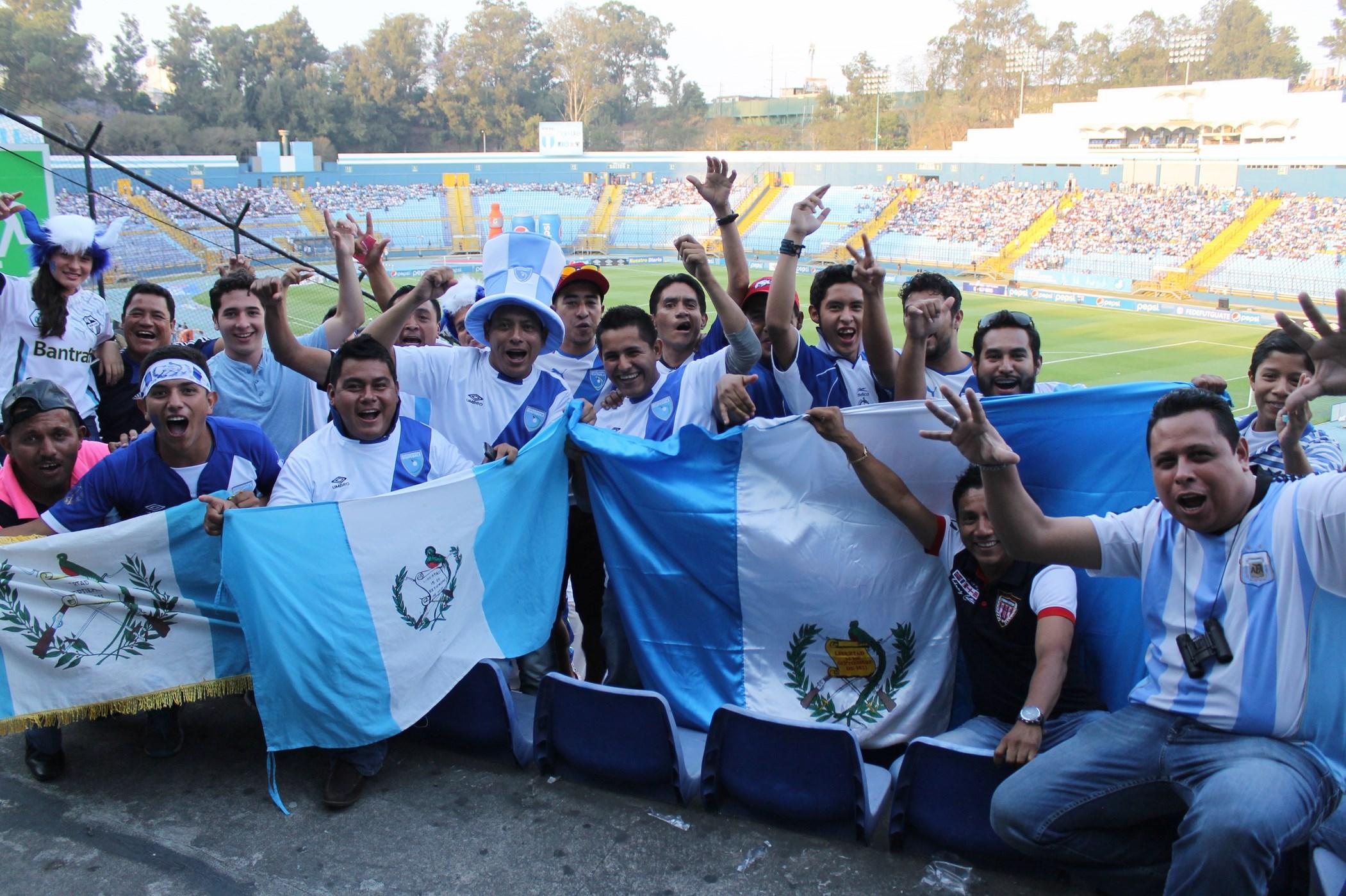 (((FOTOS))) El Estadio Nacional Mateo Flores estuvo de fiesta