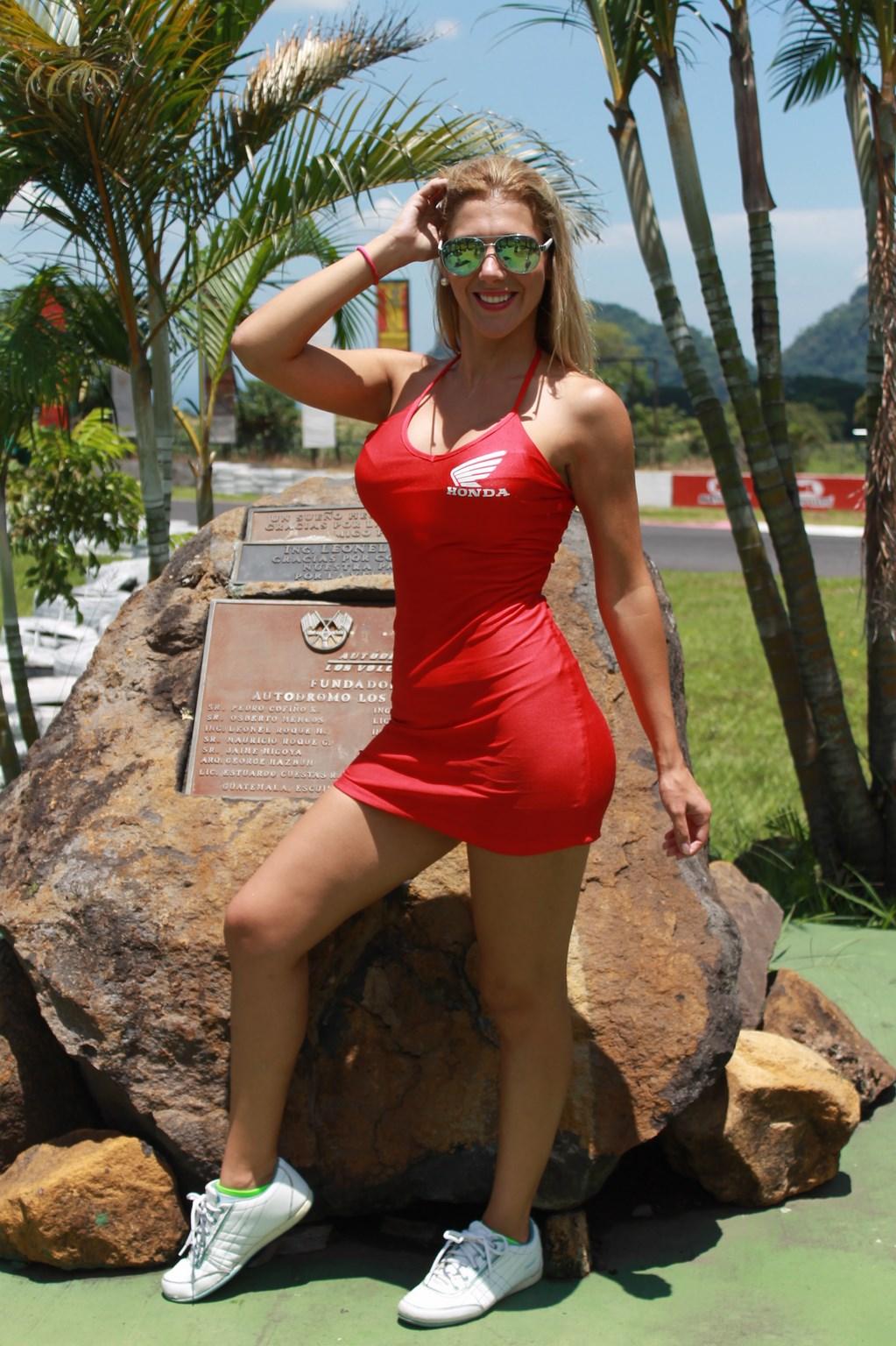 Yania Chorens (2)