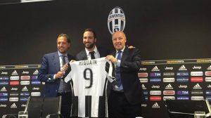 Higuaín habla de la Juventus y el futuro