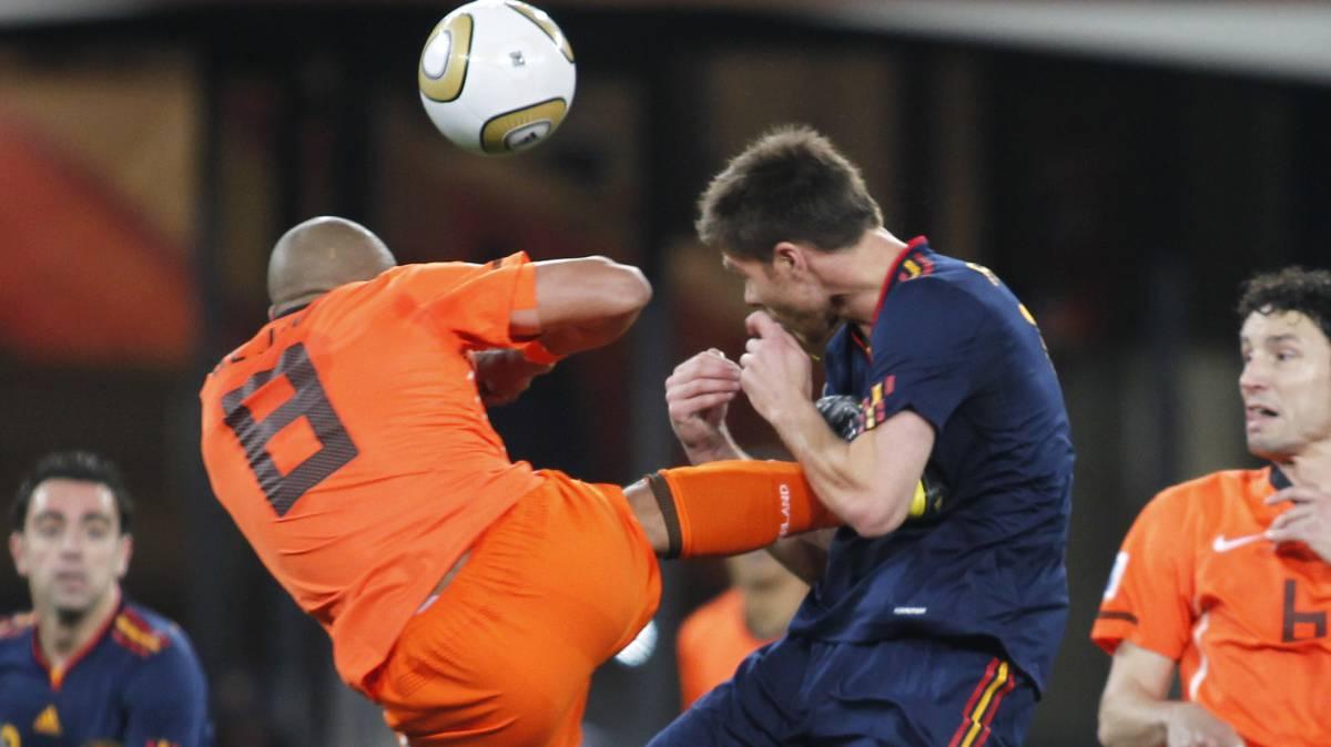 (((VIDEO))) Webb revela por qué no expulsó a De Jong tras su patada a Xabi