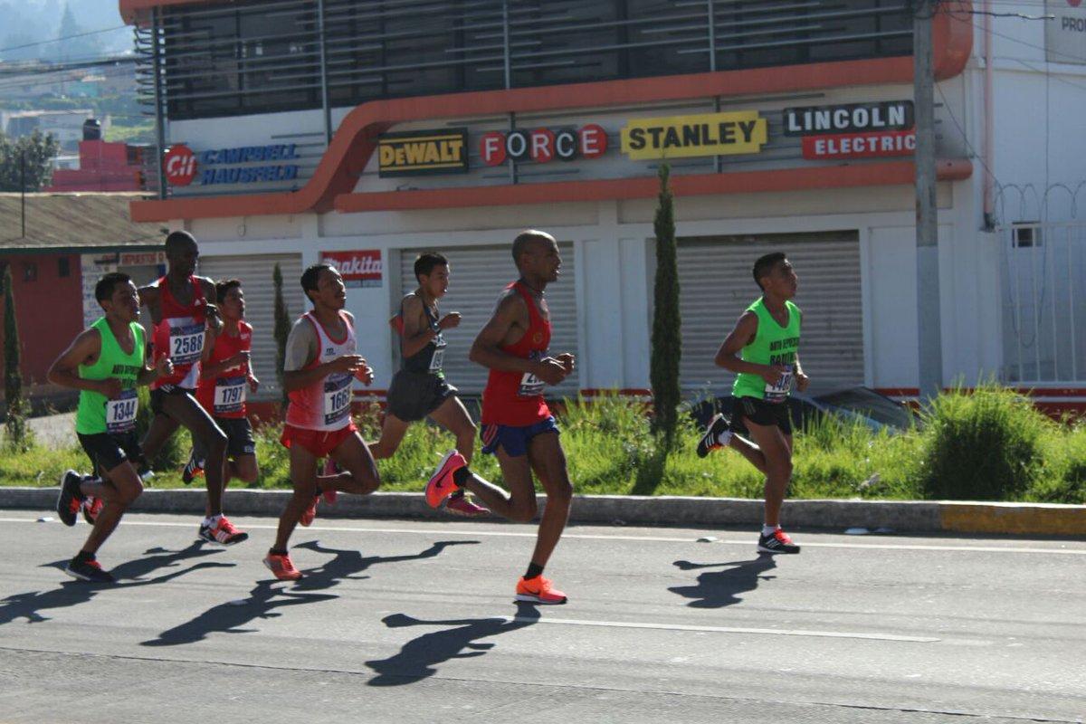(((VIDEO))) Raxón conquista el Medio Maratón de Xela