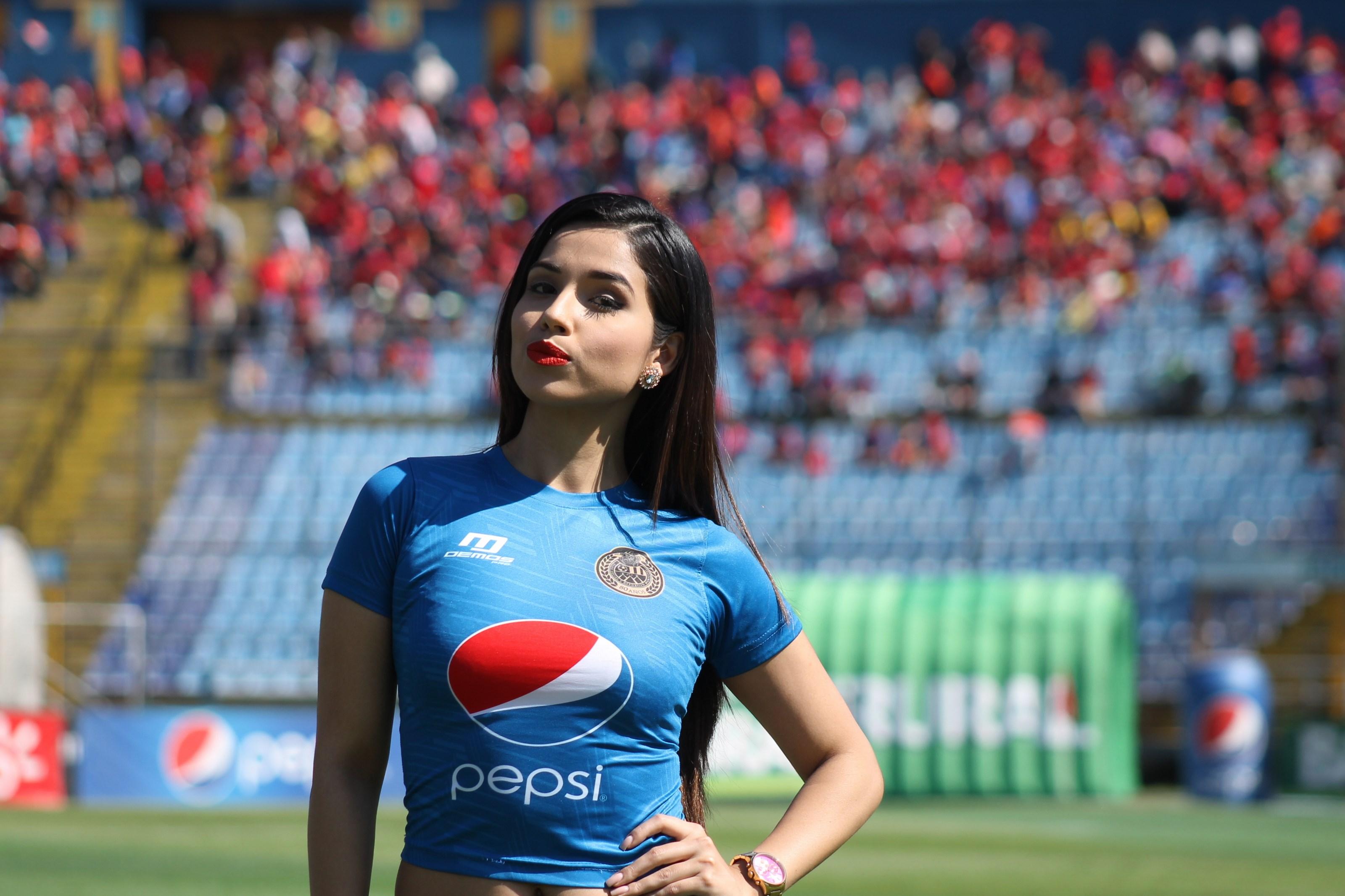 (((FOTOS))) Los cambios en la Liga Nacional, nos acompaña Alejandra