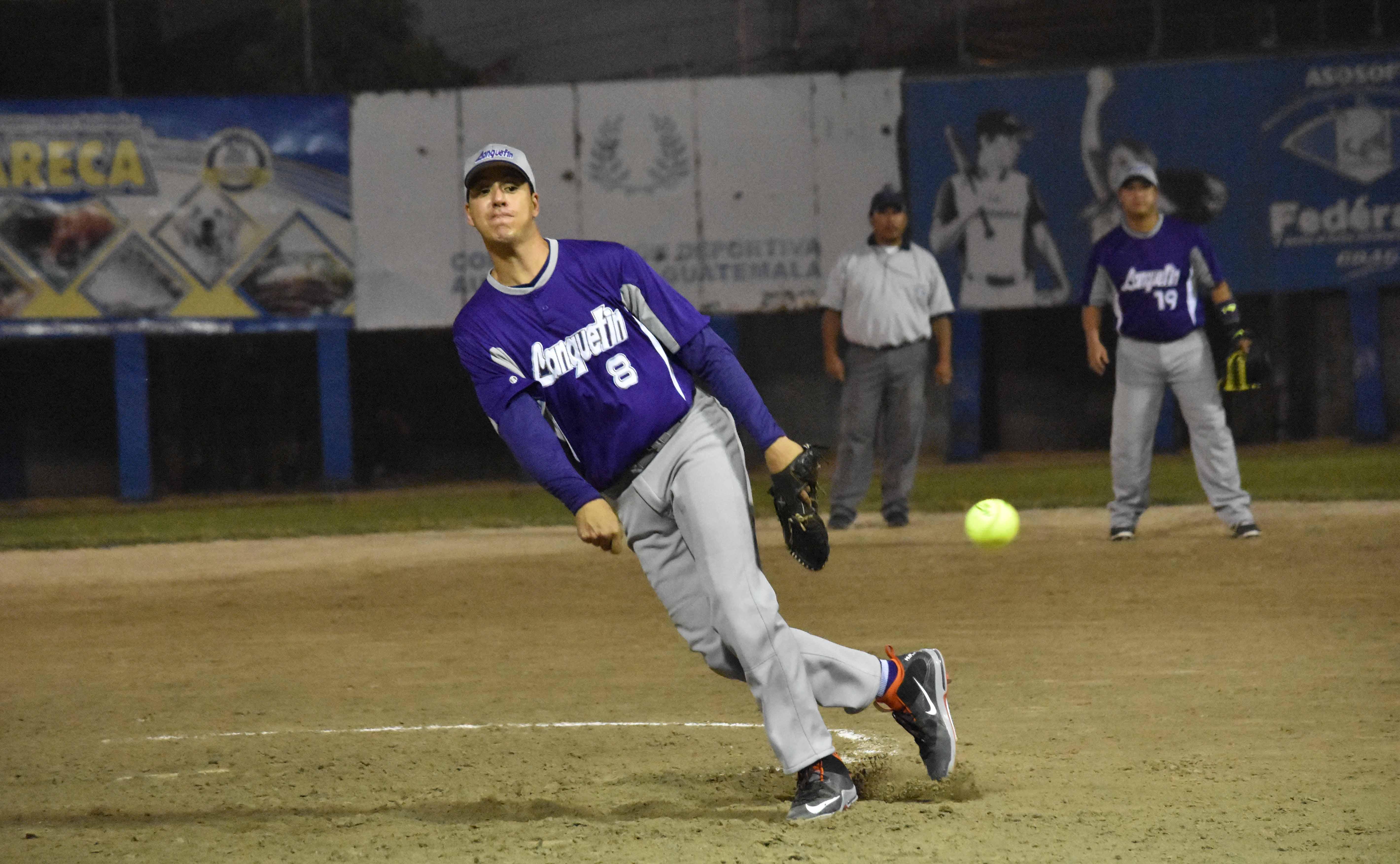 La acción del Softbol masculino