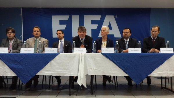 ¿Qué estatutos solicita la FIFA a la Fedefut?