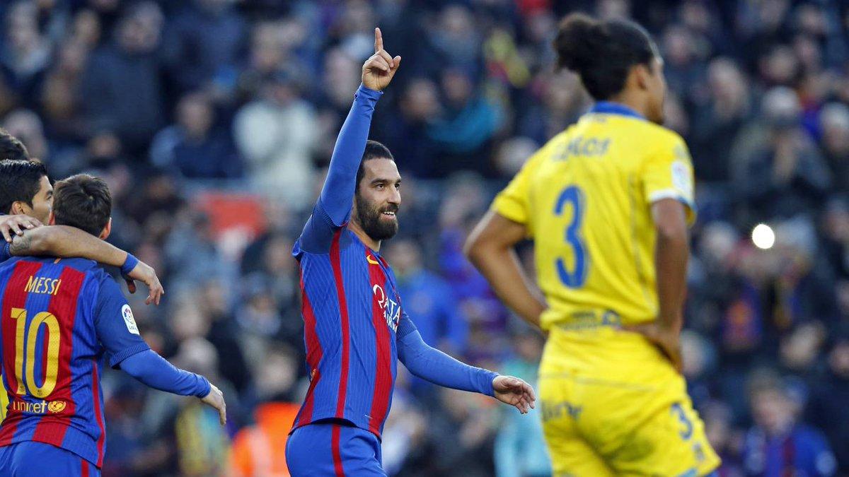 La oferta china por Arda Turan hace dudar al Barcelona