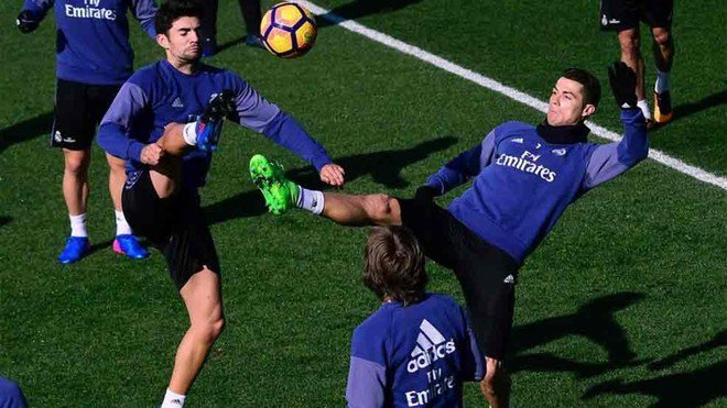 Cristiano le ha marcado cinco goles al Valencia en Mestalla