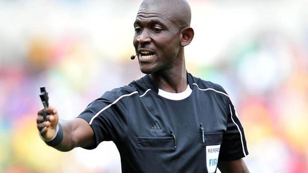 FIFA inhabilita de por vida a árbitro que influyó en el resultado