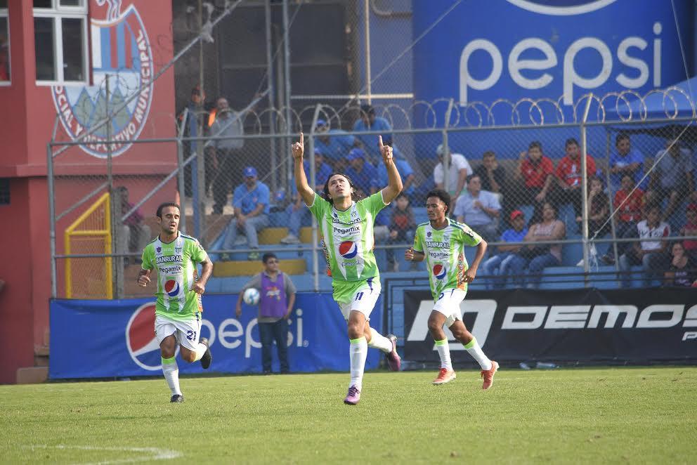 Agustín Herrera, el máximo artillero del Torneo