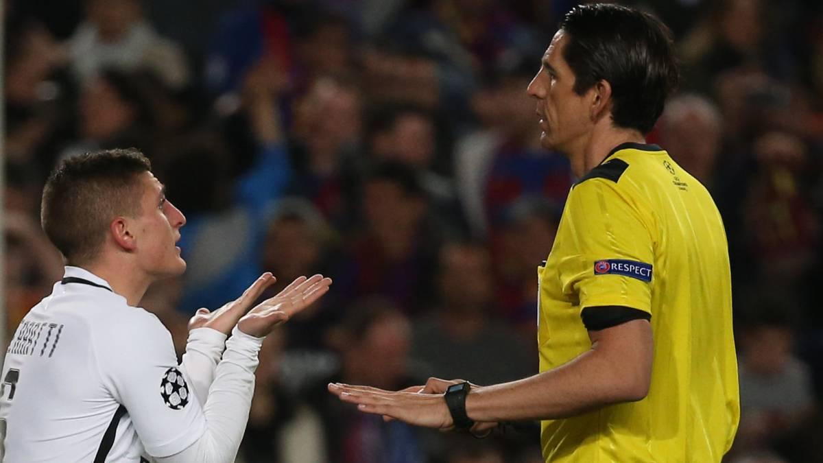 El PSG protesta a UEFA por el arbitraje de Aytekin ante el Barça