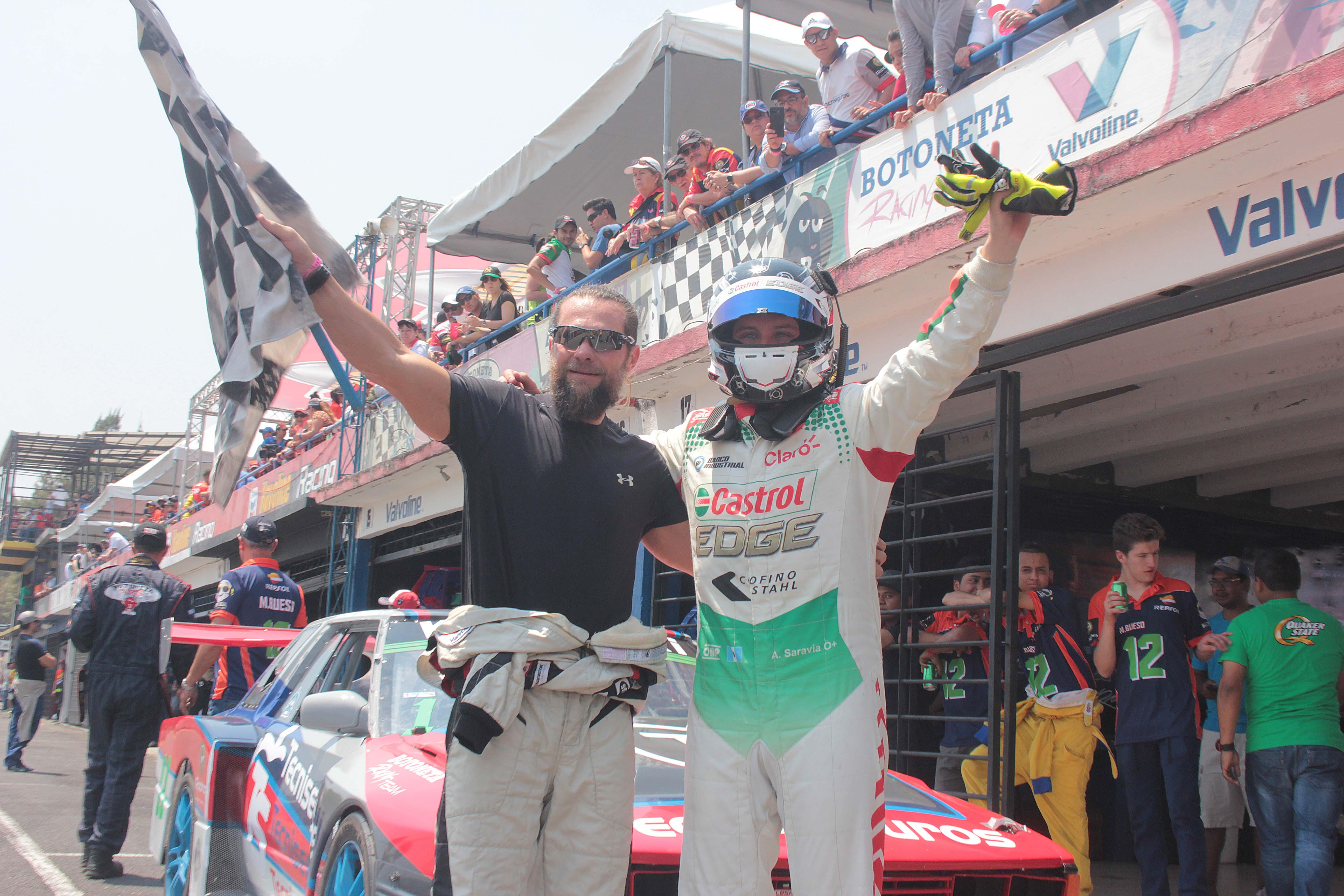 Pato Castillo y Lush Saravia 02